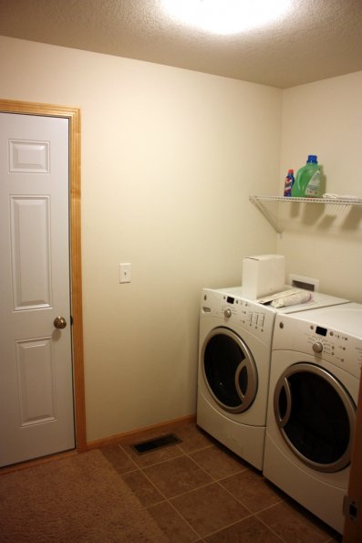Laundry/Entry from Garage